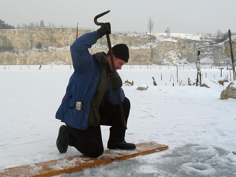 nurkowanie pod lodem - łom
